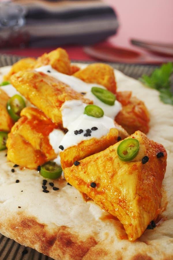 Repas indien de nourriture de pain de Madras Naan de cari de poulet photographie stock libre de droits