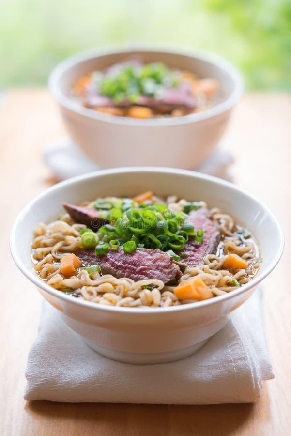 Repas oriental de nouille de boeuf photo stock