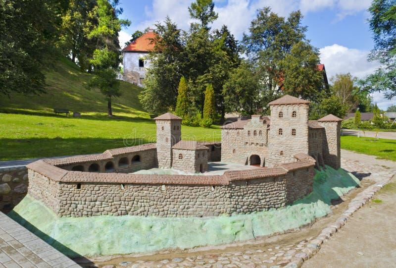 Replica della fortezza medioevale in Kandava, Latvia fotografie stock libere da diritti