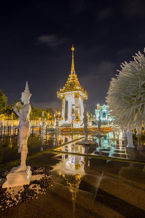 Replica van het Koninklijke Crematorium voor de Koninklijke Crematie van Zijn Majesteitskoning Bhumibol Adulyadej in Herdenkingsb stock foto's