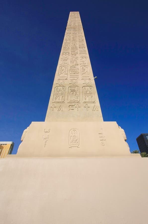 Replika antyczny egipski obelisk, Luxor hotel i kasyno w L, obrazy royalty free