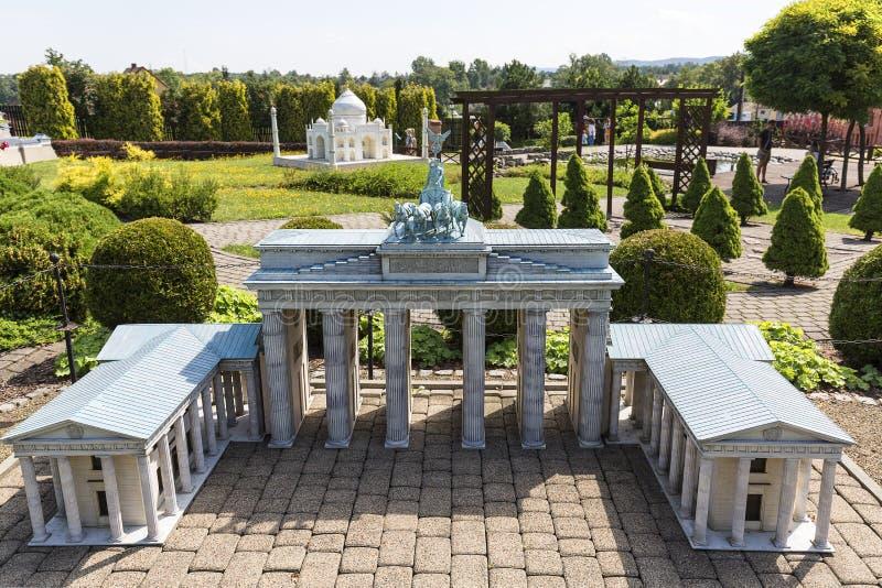 Replika Brandenburg brama Berlin, Niemcy, miniatura park, Inwald, Polska zdjęcia stock