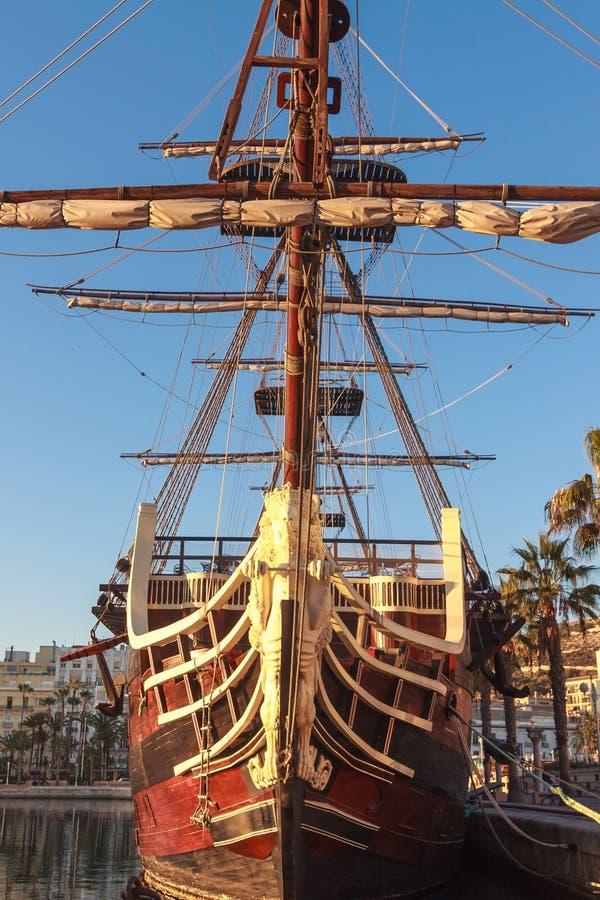 Replika Hiszpański galeon przy Alicante schronieniem, Hiszpania obrazy stock