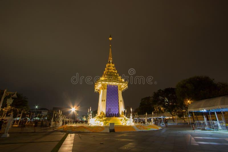Replika Królewski Crematorium dla Królewskiej kremaci jego wysokość królewiątko Bhumibol Adulyadej przy Pamiątkowym BridgePhra Ph fotografia stock