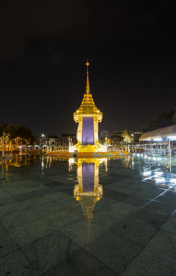 Replika Królewski Crematorium dla Królewskiej kremaci jego wysokość królewiątko Bhumibol Adulyadej przy Pamiątkowym BridgePhra Ph fotografia royalty free