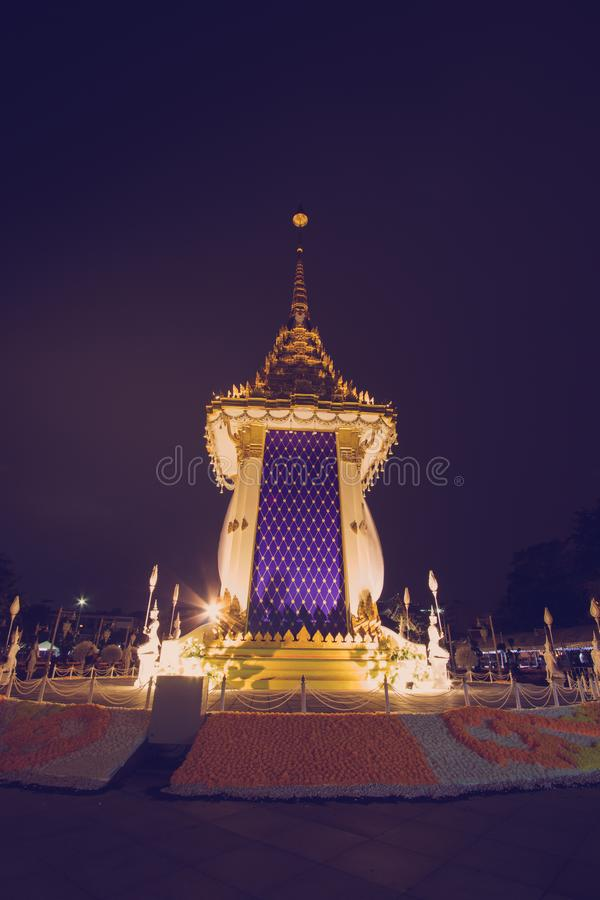 Replika Królewski Crematorium dla Królewskiej kremaci jego wysokość królewiątko Bhumibol Adulyadej przy Pamiątkowym BridgePhra Ph zdjęcie royalty free