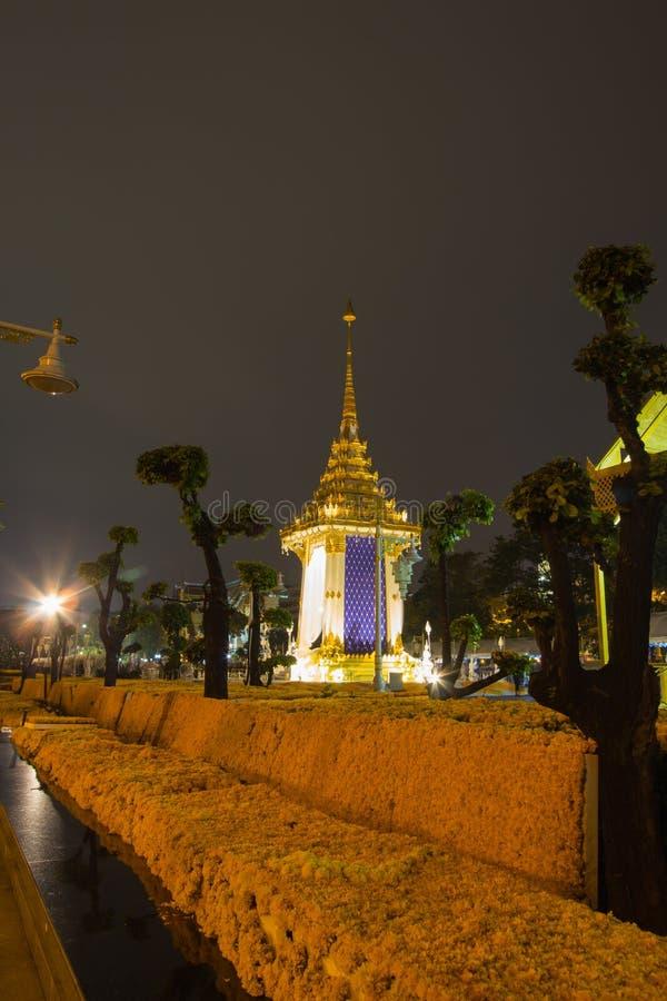 Replika Królewski Crematorium dla Królewskiej kremaci jego wysokość królewiątko Bhumibol Adulyadej przy Pamiątkowym BridgePhra Ph zdjęcia royalty free