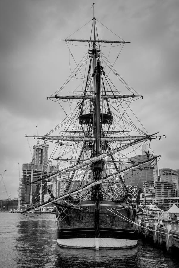 Repliki Cook żeglowania statek - HM barkentyna próba obrazy stock