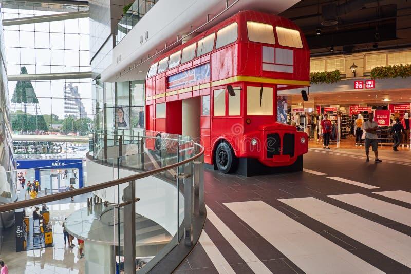 Replikującego Anglia autobus w Śmiertelnie 21 Pattaya fotografia stock