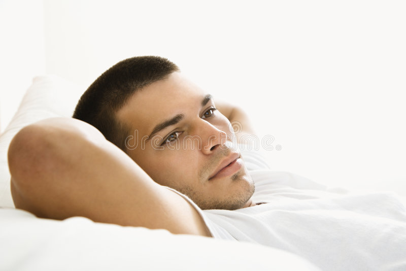 Repos d'homme. photo stock