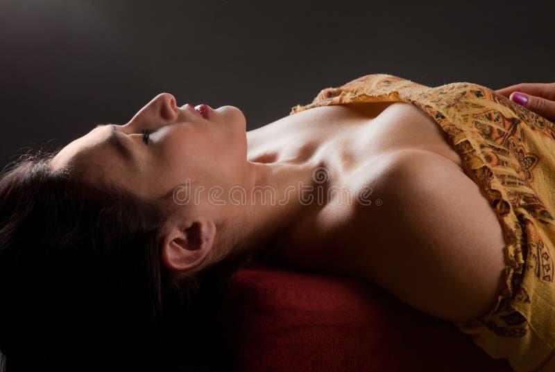 repose piękna kobieta obraz royalty free