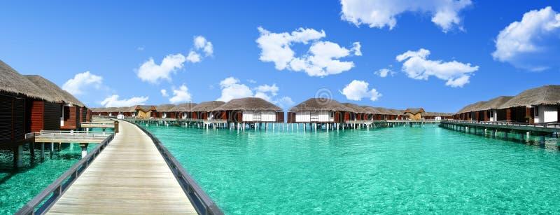 Reposez-vous en Maldives aux beaux cottages images stock