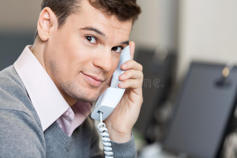 Représentant masculin On Call de service client photographie stock