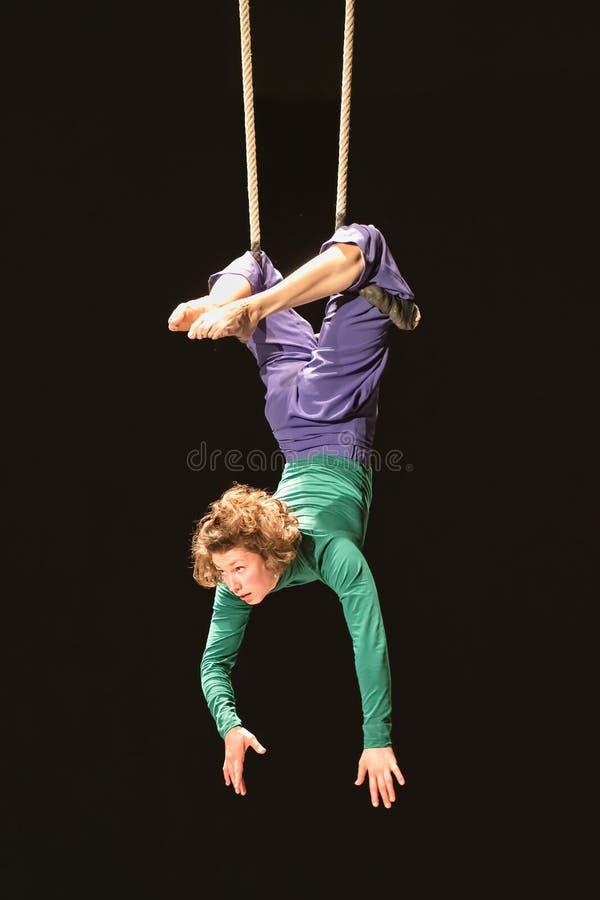 Représentation de Laurence Felber, étudiante de cirque de Fontys et d'arts de représentation, Tilburg, Pays-Bas photographie stock