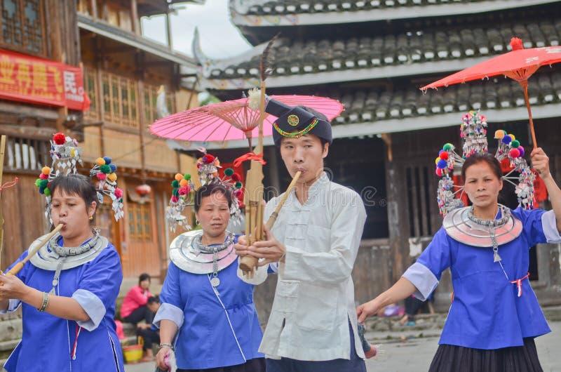 Représentation de personnes de minorité de Dong photo stock