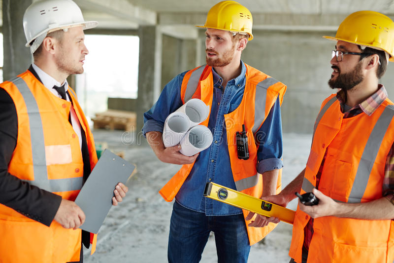 Représentation du chantier de construction à l'inspecteur photos stock