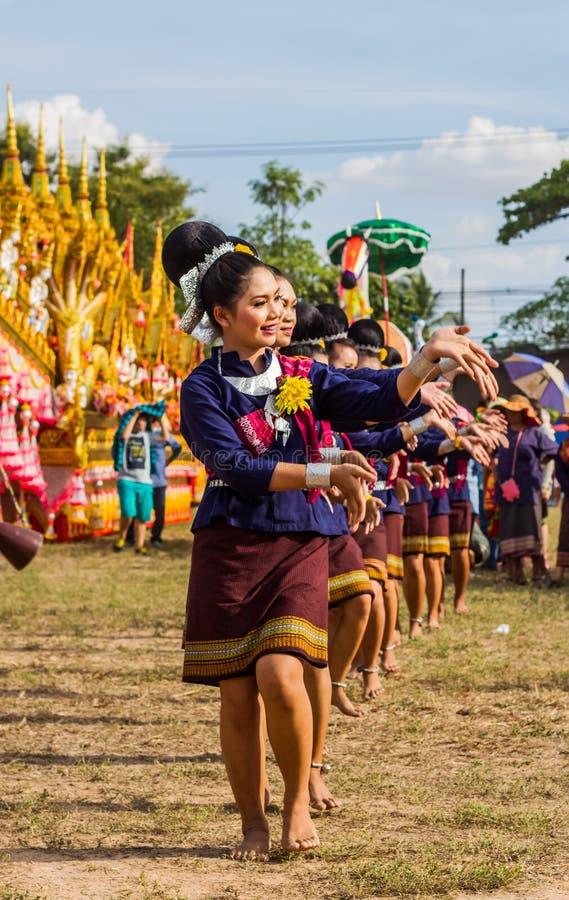 Représentation thaïlandaise de danse photos libres de droits