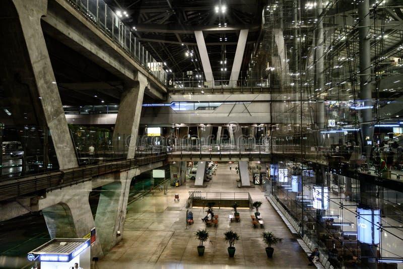 Reprenez à l'aéroport de Suvarnabhumi image stock