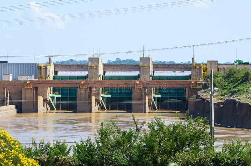 Represa da planta hidroelétrico de Santo Antonio em Porto Velho imagens de stock royalty free