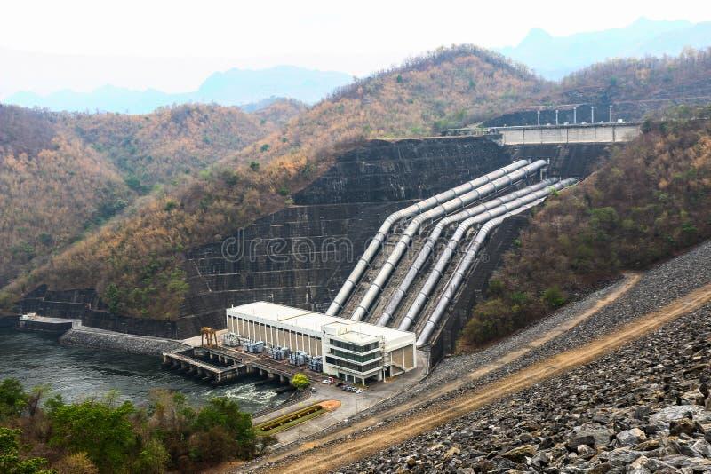 Represa de Srinakarin em Tailândia imagem de stock