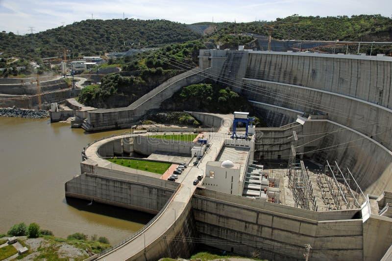 Represa de uma central eléctrica hydroelectric imagens de stock royalty free