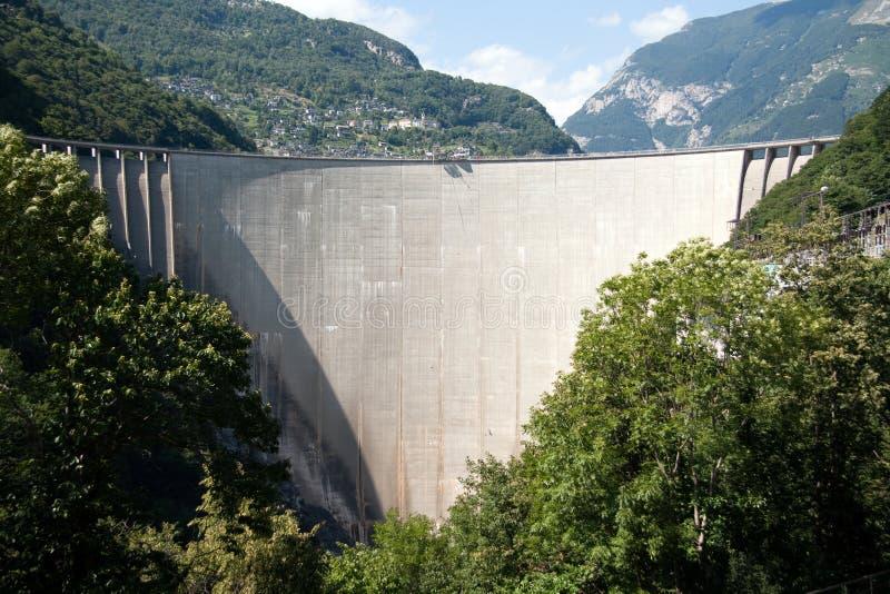 Represa de Val Verzasca fotos de stock royalty free