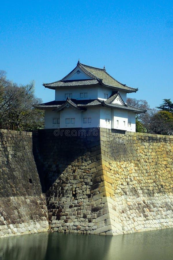 Represa japonesa com casa imagens de stock royalty free