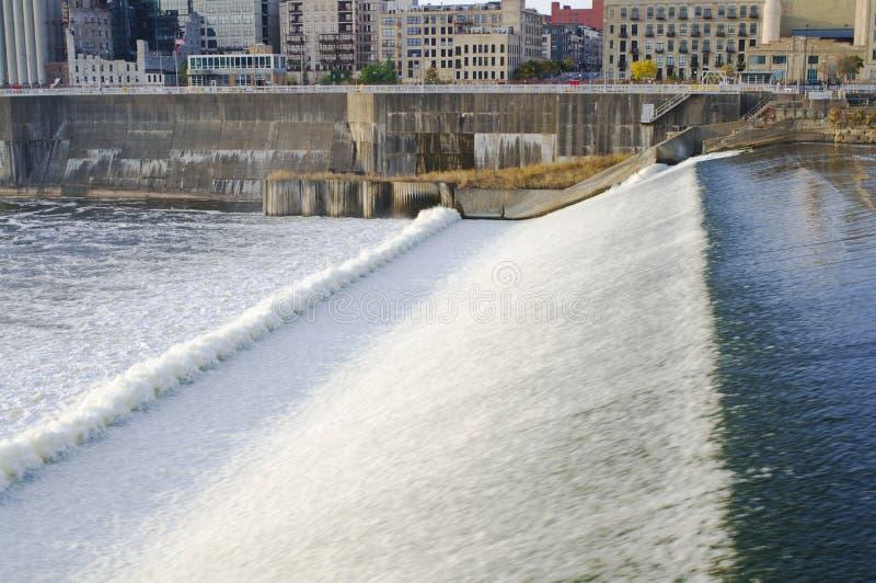 Represa superior e quedas de Anthony de Saint em Minneapolis foto de stock royalty free