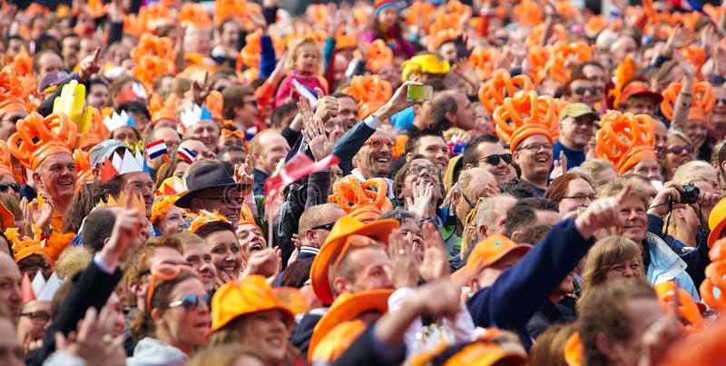 Represe o quadrado durante a inauguração do rei Willem-Alexander imagens de stock royalty free