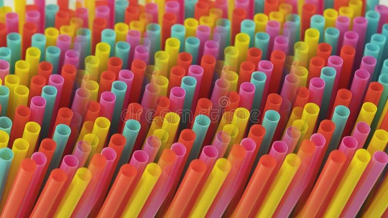Representação prismático abstrata de palhas bebendo plásticas coloridas do um-uso imagens de stock royalty free