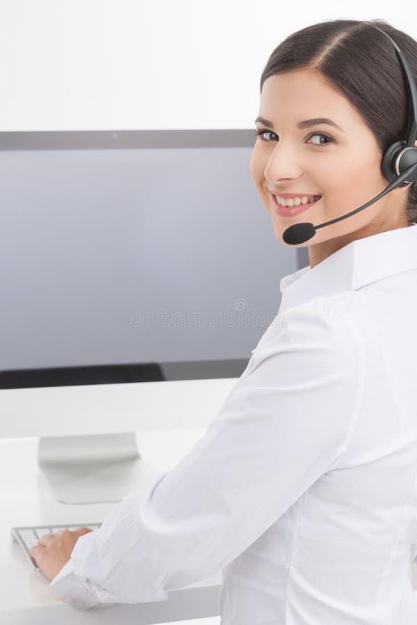 Representante de serviço ao cliente no trabalho. fotos de stock