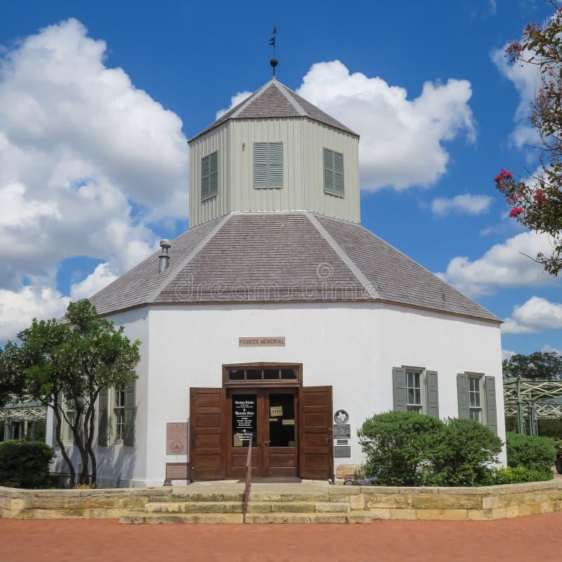 Reproducción de una iglesia pionera fotografía de archivo libre de regalías