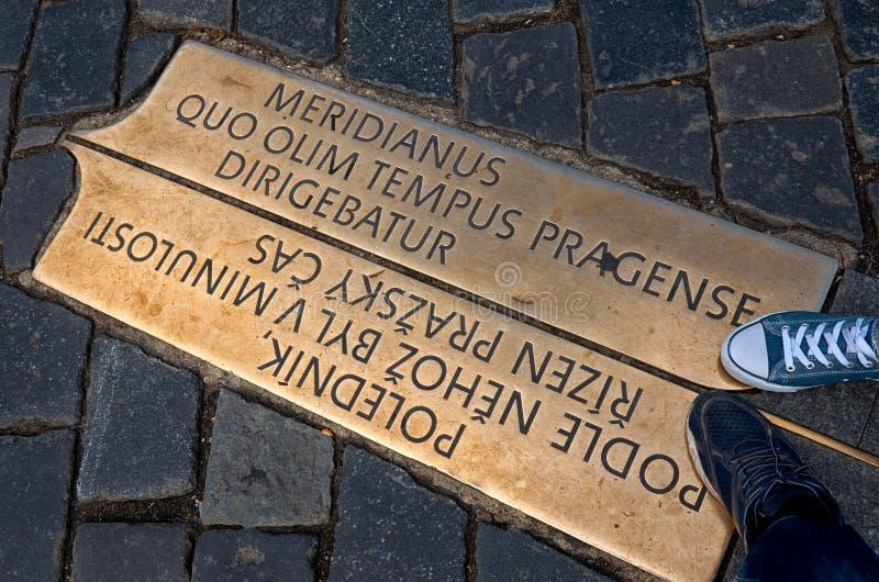 Repubblica ceca Il meridiano di Praga sul quadrato di Città Vecchia 18 giugno 2016 fotografia stock