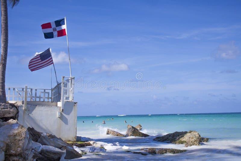 Repubblica dominicana e bandiera degli Stati Uniti d'America illustrazione vettoriale
