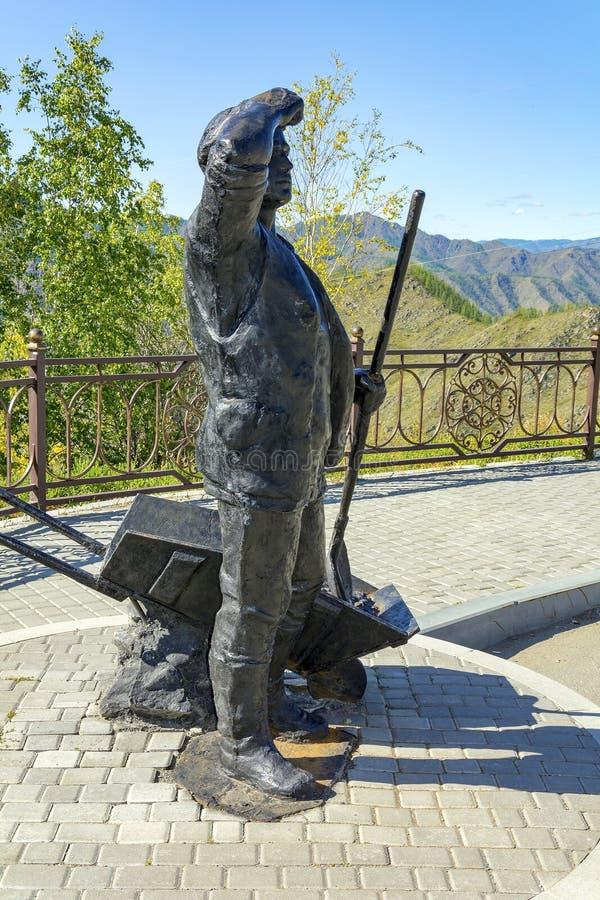 Republik av Altai, monument till vägbyggmästaren arkivbild