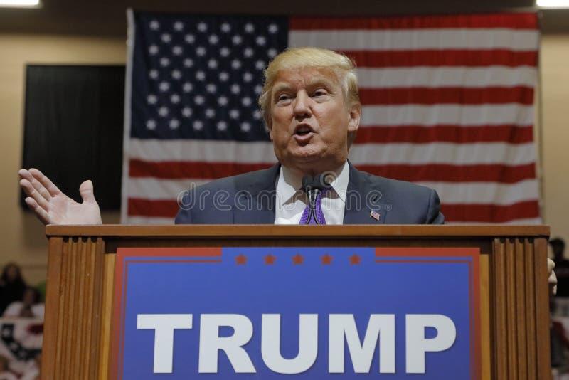 Republikanische Präsidentschaftsanwärter Donald Trump-Kampagnensammlung an der Südpunkt-Arena u. dem Kasino in Las Vegas stockbild