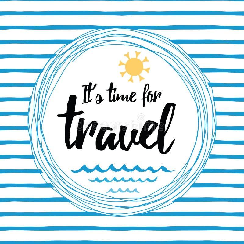 Resa det randiga typografiska kortet med inspirerande citationstecken, solen, havsvågor, havet stock illustrationer