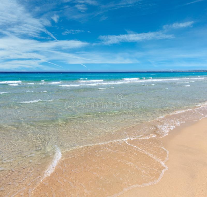 Resaca del mar en la playa fotos de archivo libres de regalías