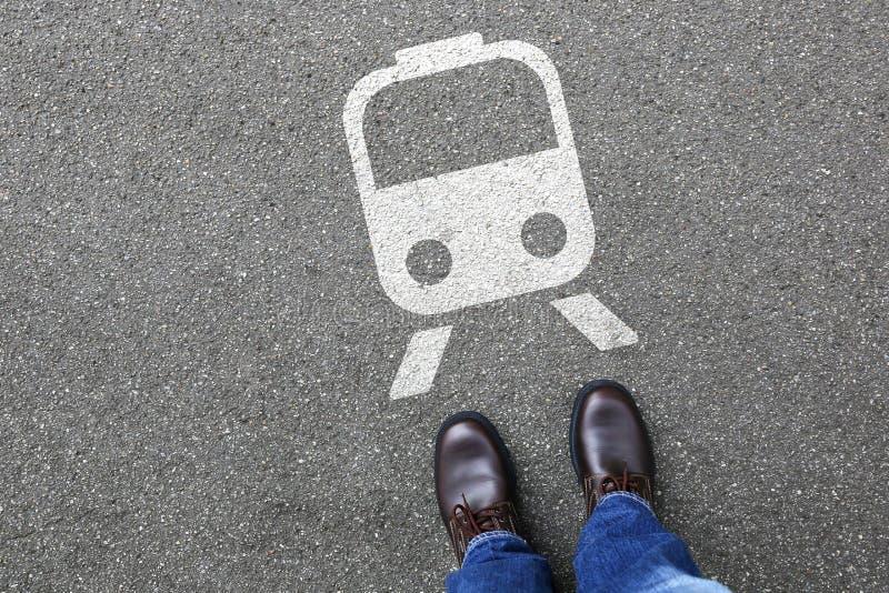 Resande för rörlighet för stång för tunnelbana för manfolkdrev arkivbilder