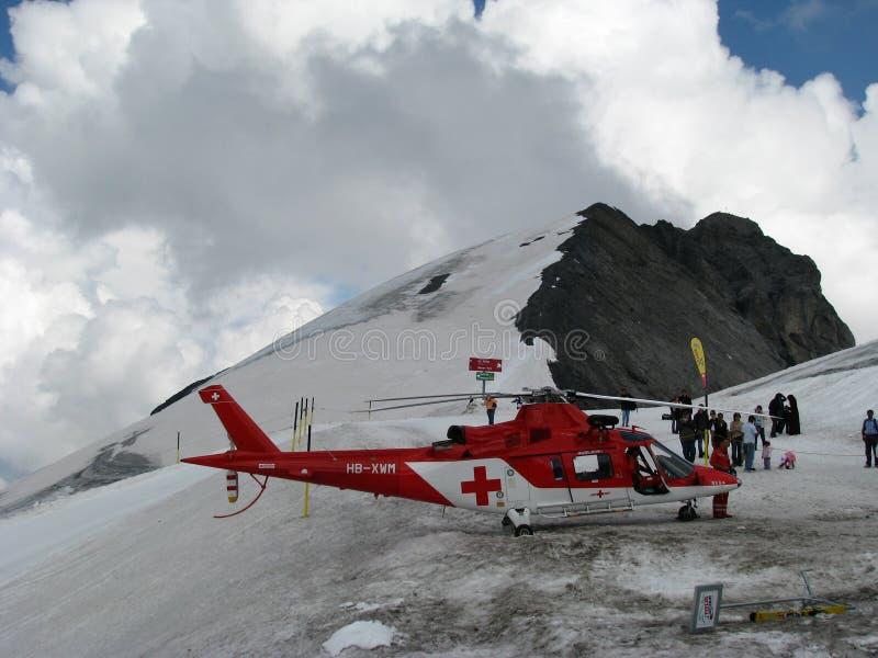 Rescate por helicóptero en el moutain fotos de archivo
