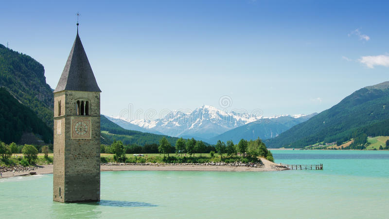 Reschensee - Lago di Resia - lac Resia images libres de droits