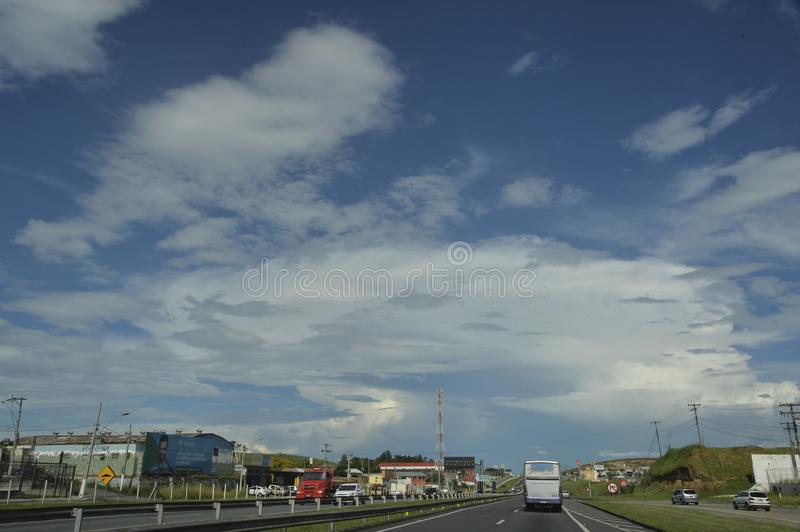 Rodovia Presidente Dutra. Resende, Brazil - january 02, 2018: Presidente Dutra Highway, an important road link between the cities of S‹o Paulo and Rio de royalty free stock photos