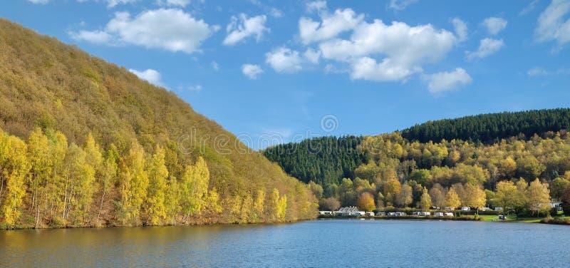 Reserva Biggetalsperre, Sauerland, Alemania imagenes de archivo