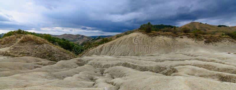 Reserva fangosa activa del nacional de los volcanes Visión con la erupción fotos de archivo