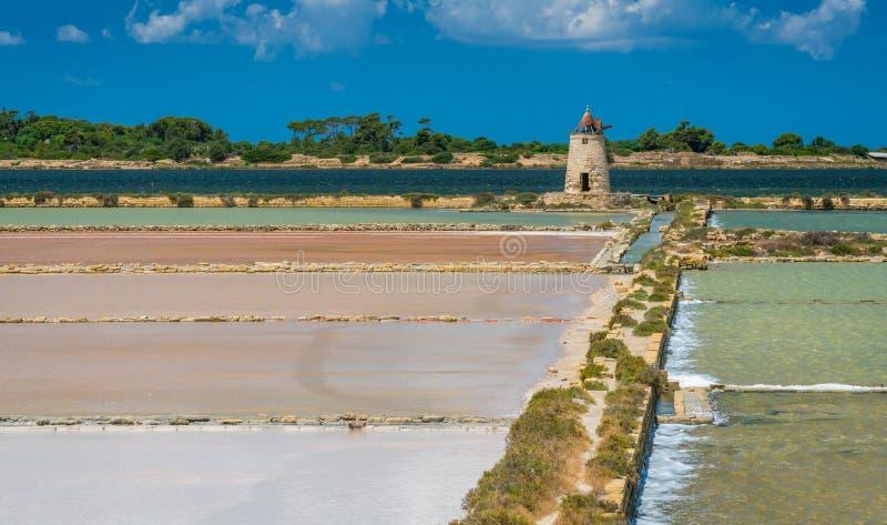 Reserva natural do ` salino de Stagnone do dello do ` perto do Marsala e do Trapani, Sicília imagens de stock royalty free