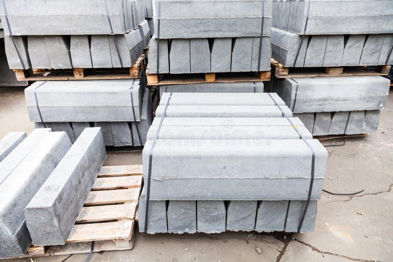 reservas de nuevos encintados concretos grises foto de archivo