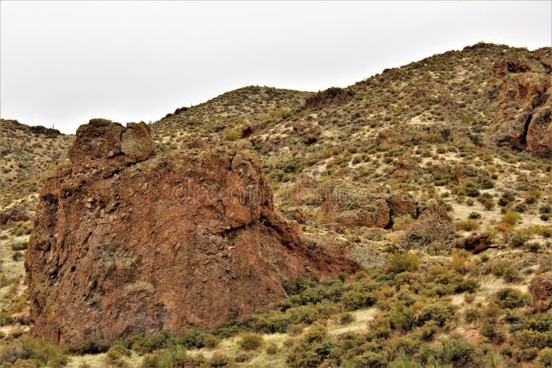 Reservatório de Bartlett Lake, Maricopa County, estado do Arizona, opinião cênico da paisagem do Estados Unidos imagens de stock