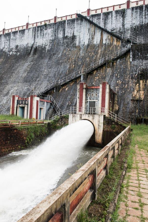 Reservatório de Neyyar na Índia imagem de stock