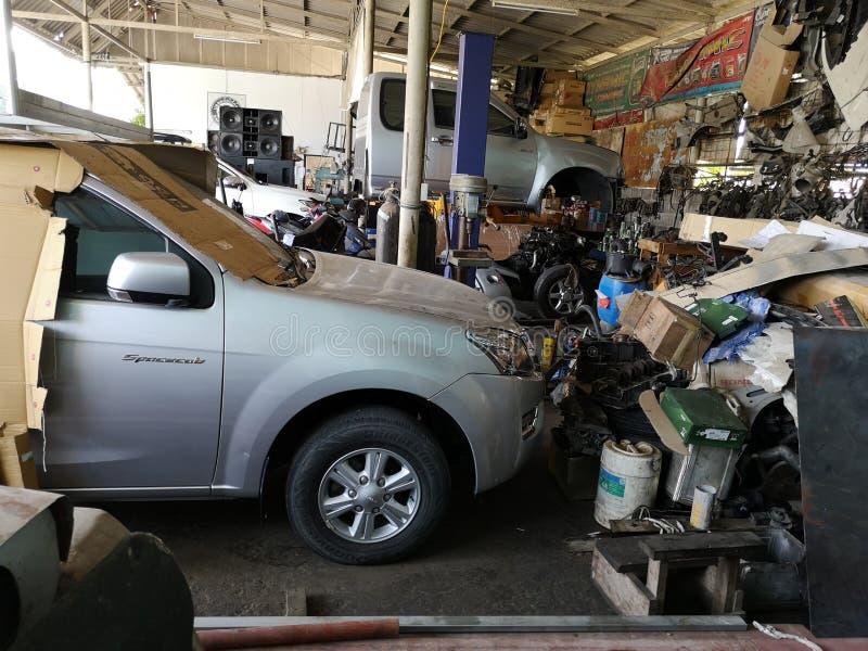 Reservdelar från bilen orsakade en olycka , royaltyfria foton