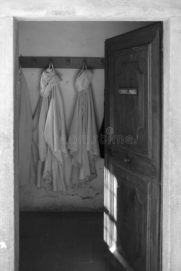 Reserverat för munkarna arkivbild